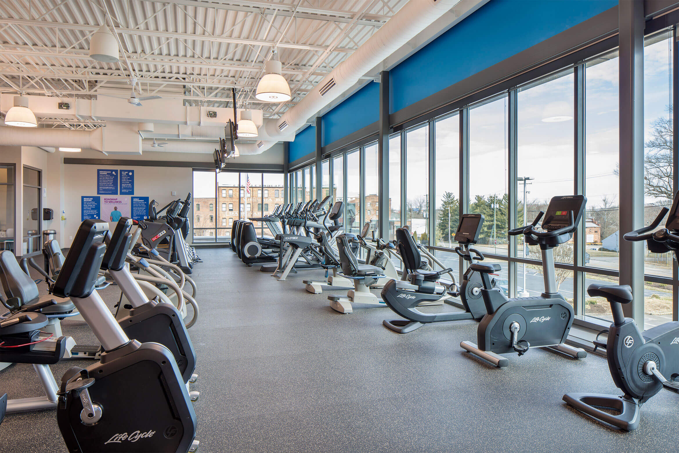 YMCA-Petersburg-Fitness-Room-2